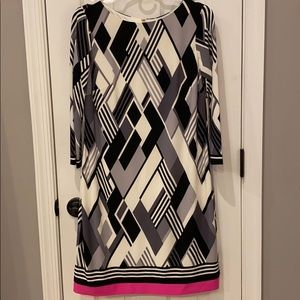 Absolutely trendy gorgeous dress!!😍